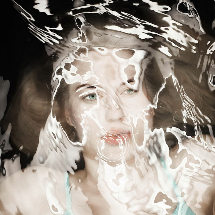 Портреты женщин в воде