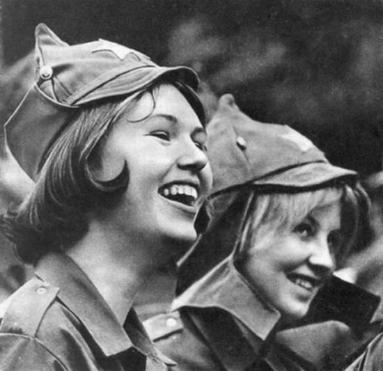 Красивые советские девушки