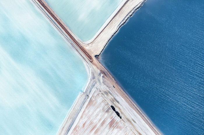 Соляные поля Австралии: вид сверху