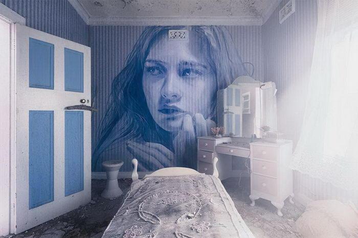 Лица женщин в заброшенных домах: проект Rone