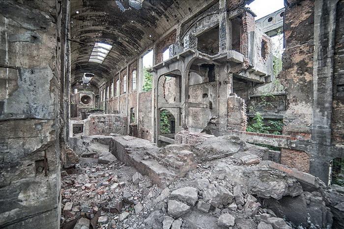 Заброшенные места в фотографиях Anna Mika
