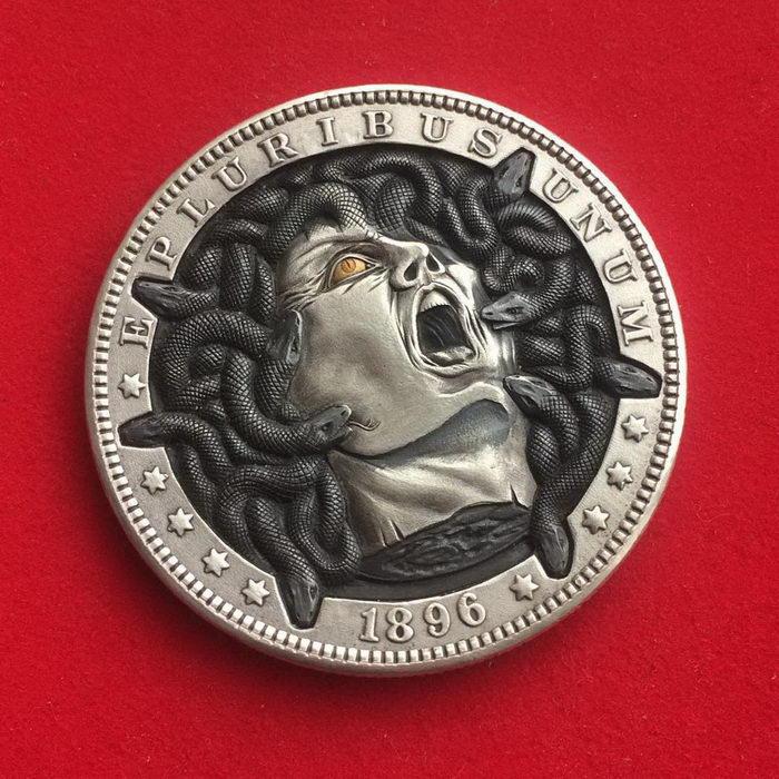 Невероятные монеты поп-культуры Roman Booteen