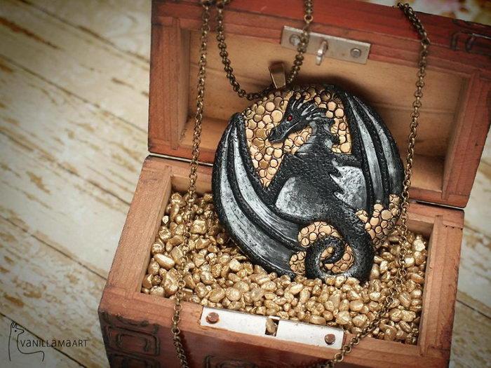 Украшения-драконы Dorota Kaszczyszyn