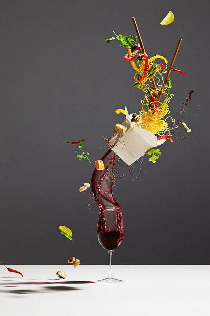 Летающая еда в фотографиях Michael Crichton