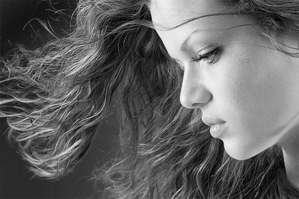 Красивые девушки на креативных фотографиях