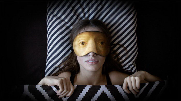 Маски для сна с глазами известных героев картин: проект Лёши Лимонова