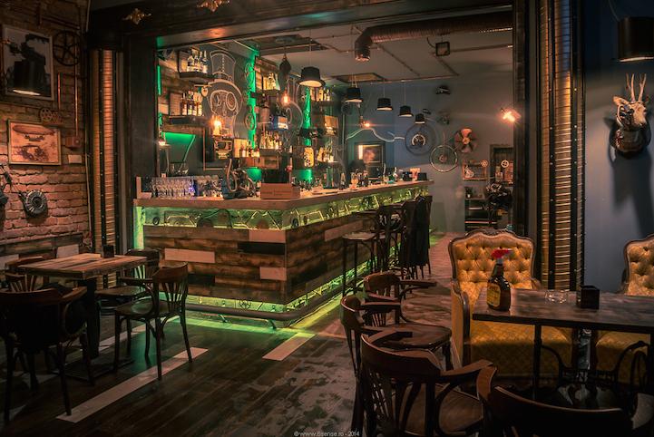 Необычный бар