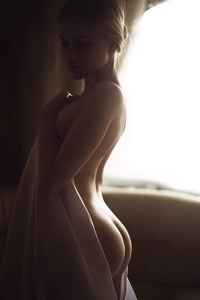 20 красивых эротических фотографий девушек