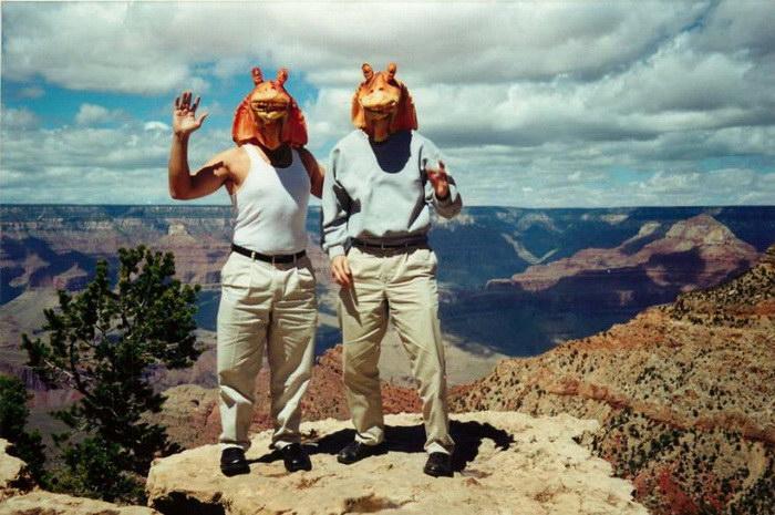 Путешествия по миру в маске Джа-Джа Бинкса