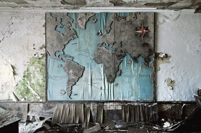 Заброшенные здания в фотографиях Reginald Van de Velde