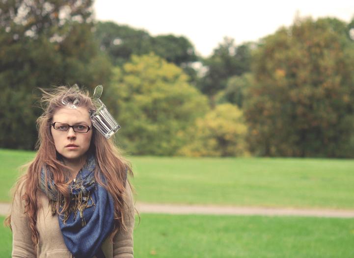 Удар об голову в фотографиях Kaija Straumanis
