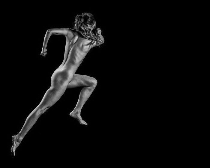 obnazhennie-atleti-foto-bdsm-nakazali-parnya