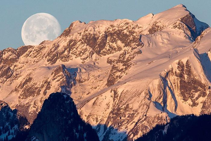 Фотографии Луны - единственного спутника Земли