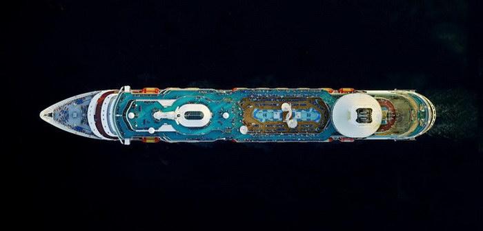 Круизные лайнеры с высоты птичьего полета в фотографиях Jeffrey Milstein
