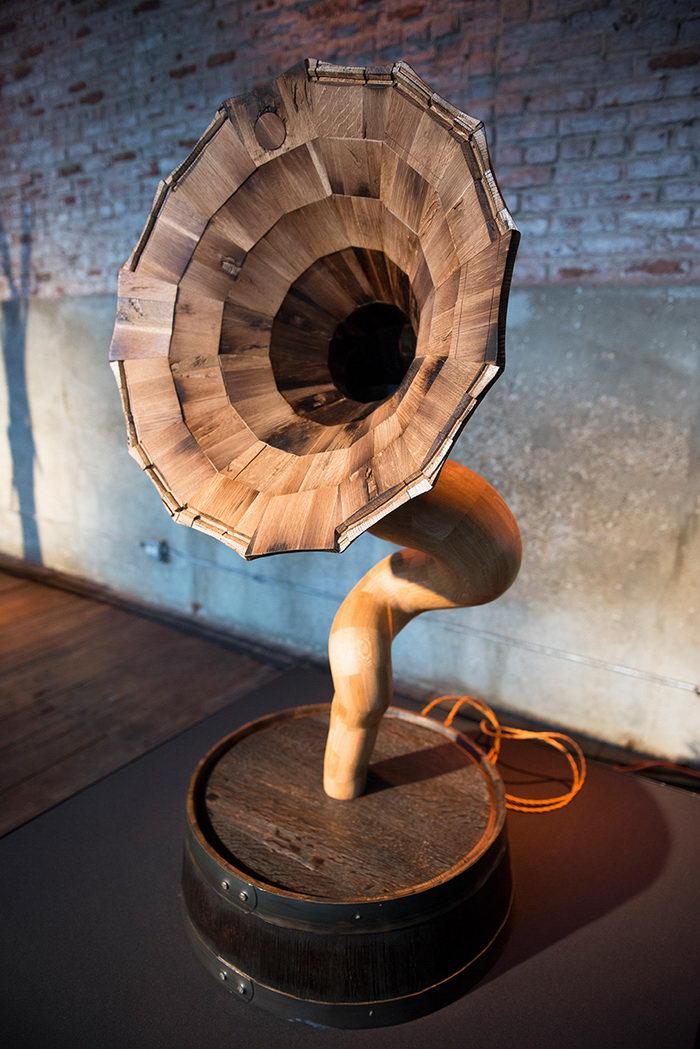 Bellaphone: стильный граммофон из старых бочек