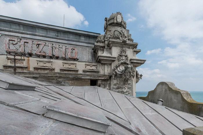 Заброшенное казино в Румынии