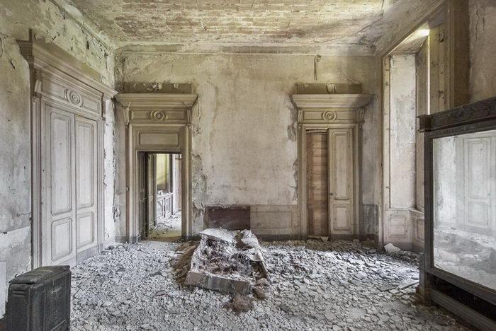 Заброшенные дворцы Европы в фотографиях Mirna Pavlovic