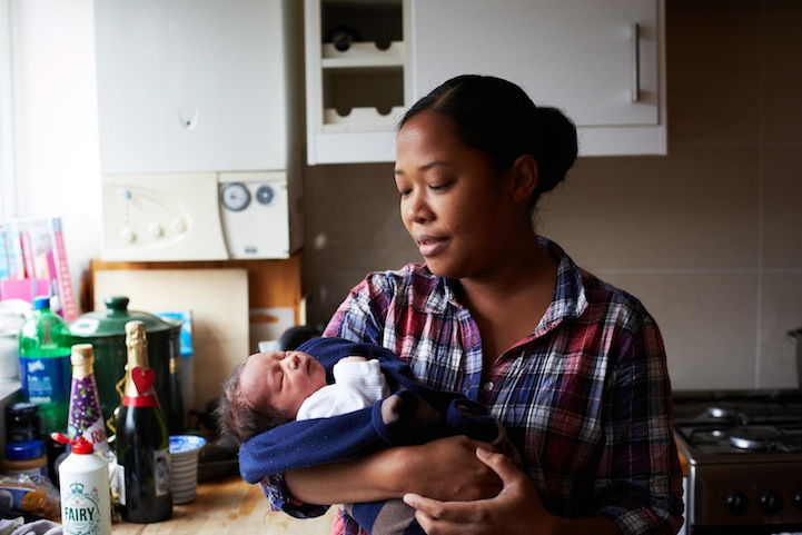 Мамы с новорожденными детьми в фотографиях Jenny Lewis