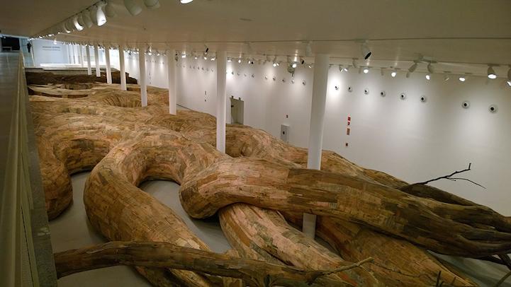 Деревянный туннель