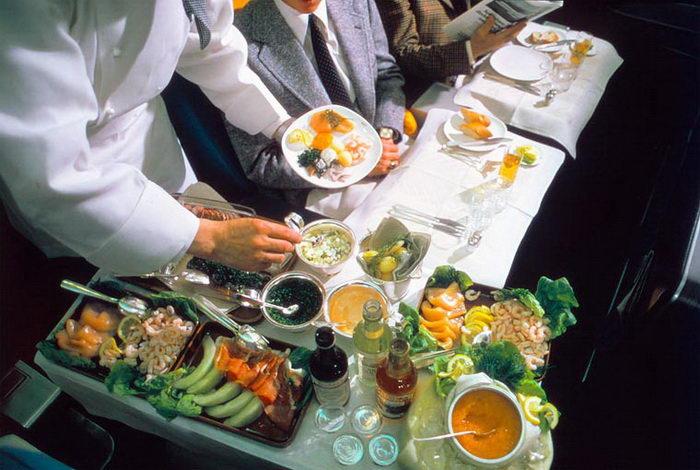 Как кормили в самолетах в середине XX века: фото Scandinavian Airlines