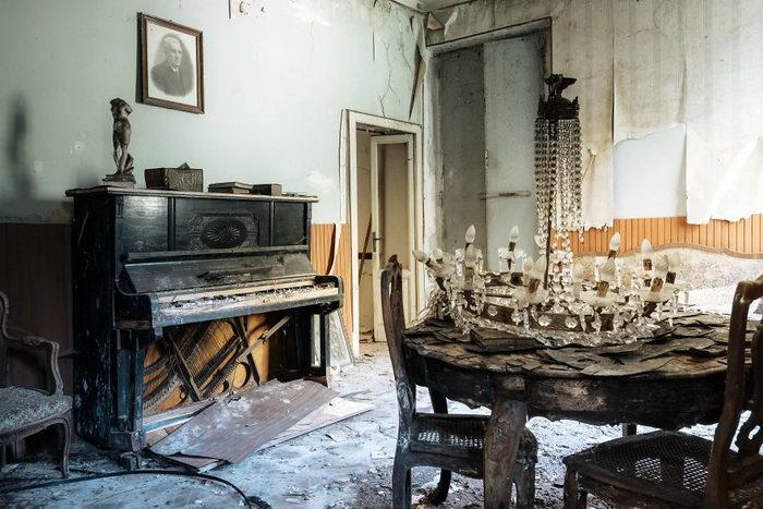 Заброшенные фортепиано: фотопроект Romain Thiery