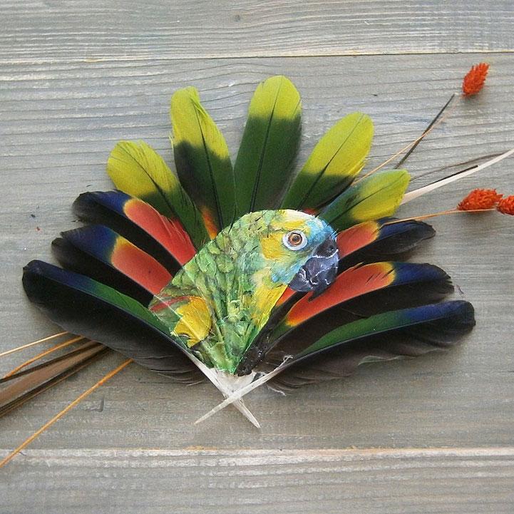 Поделка из перьев попугая 54