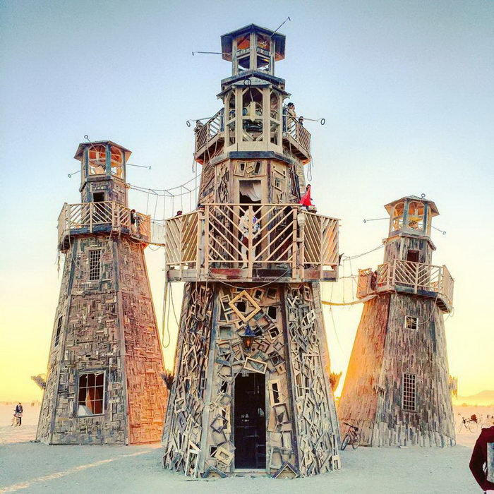 Фотографии с фестиваля Burning Man 2017