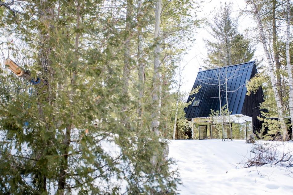 Коттедж у озера Каварта в Канаде