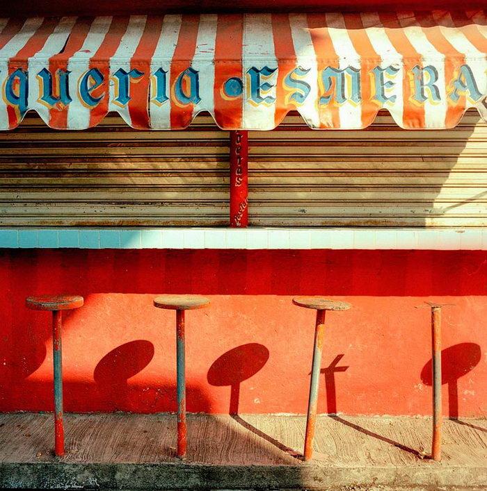 Пестрые интерьеры Латинской Америки в фотографиях Rafael Goldchain