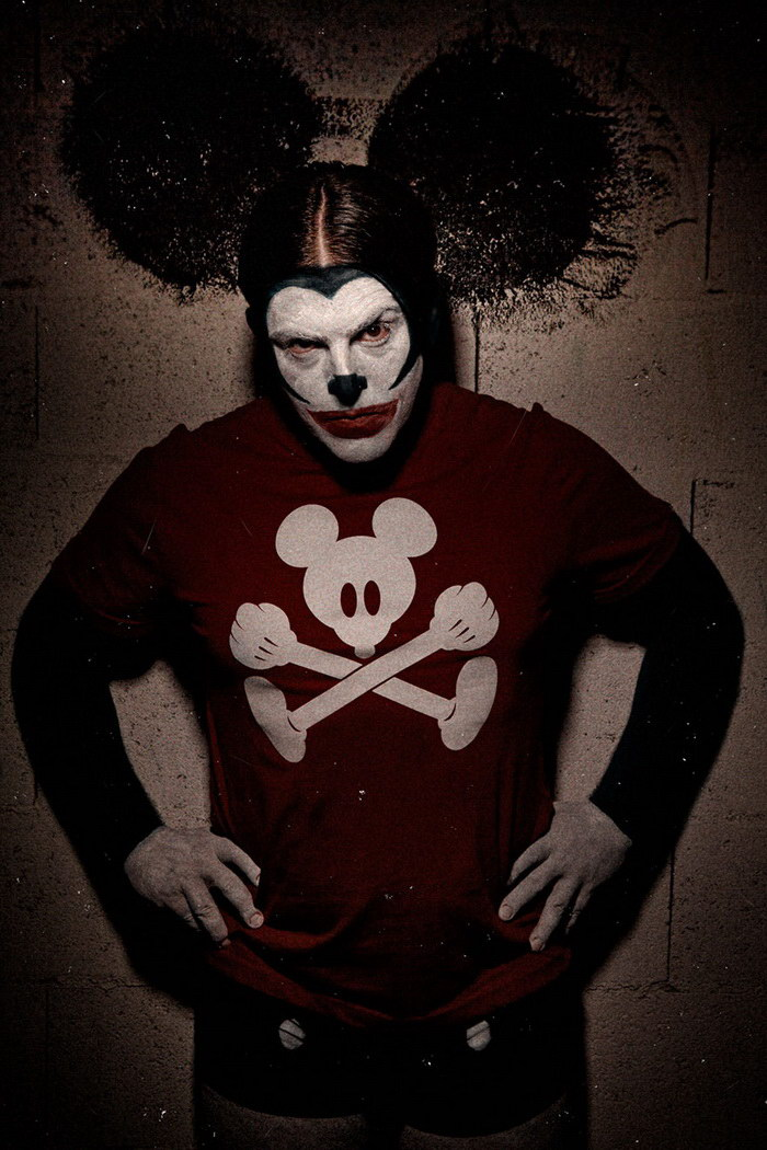 Cтрашные клоуны в фотографиях Eolo Perfido