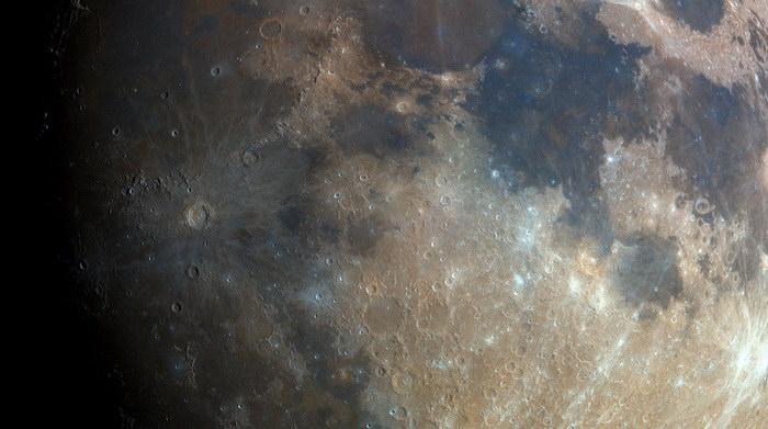 Невероятная фотография Луны Bartosz Wojczynski