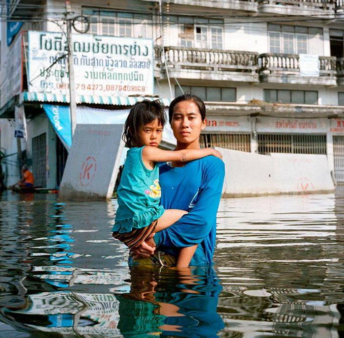 Затопленные регионы мира в фотографиях Gideon Mendel