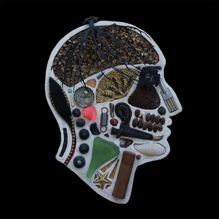 Черепа, наполненные мелочевкой: проект Edwige Massart и Xavier Wynn