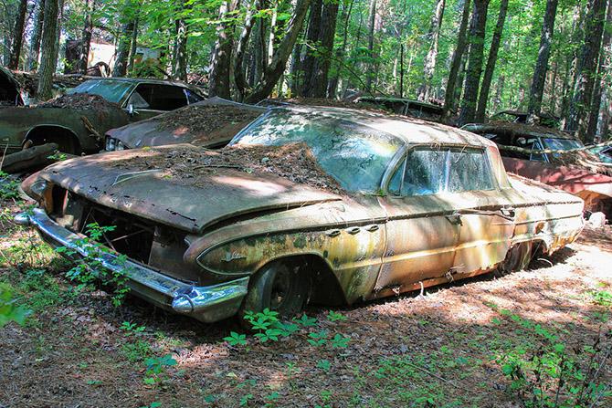 Кладбище автомобилей в США