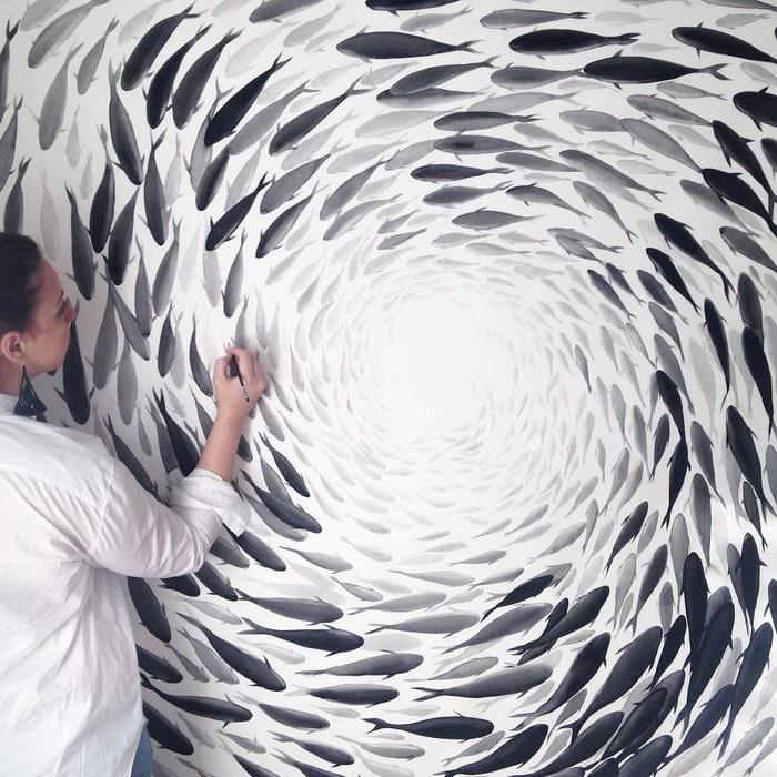 Рисунки рыб на керамике: работы Niharika Hukku