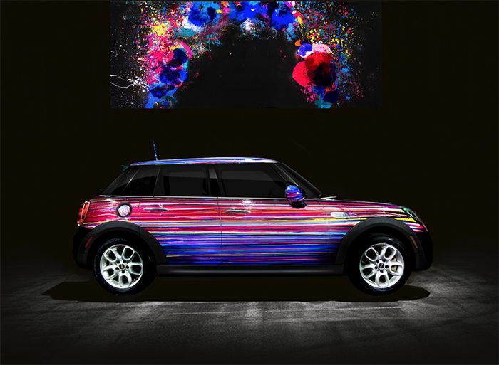 Необычная раскраска автомобиля Mini Cooper авторства Theo Pinto