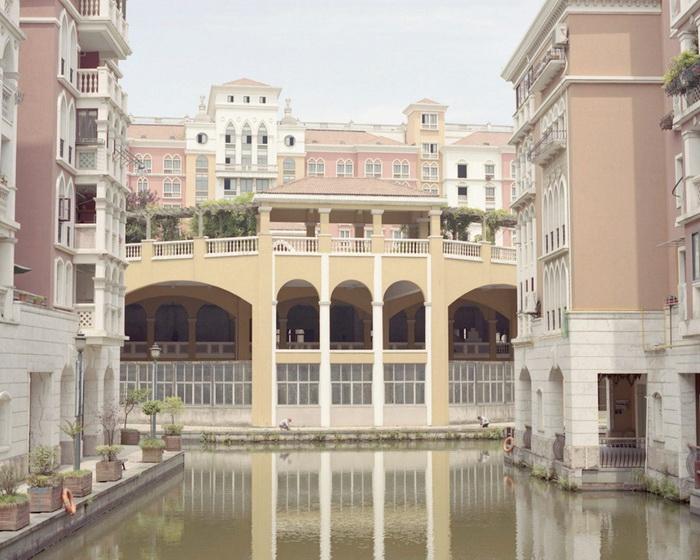 Китайский Париж, Китайская Венеция: снимки Cian Oba-Smith