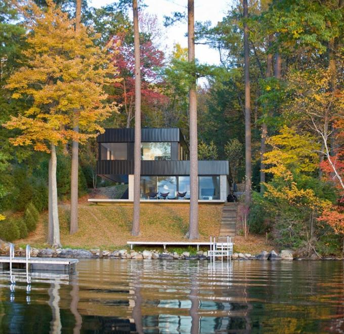 дом у озера смысл который отправляется