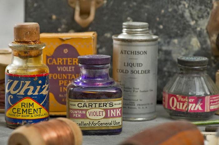 Старые чемоданы психбольных и их содержимое