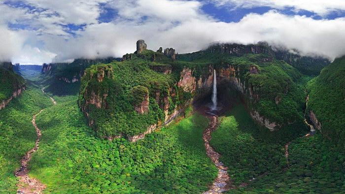 Самый высокий в мире водопад Анхель: фотографии и история