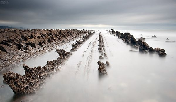 Необычные образования на побережье Испании, Бискайский залив