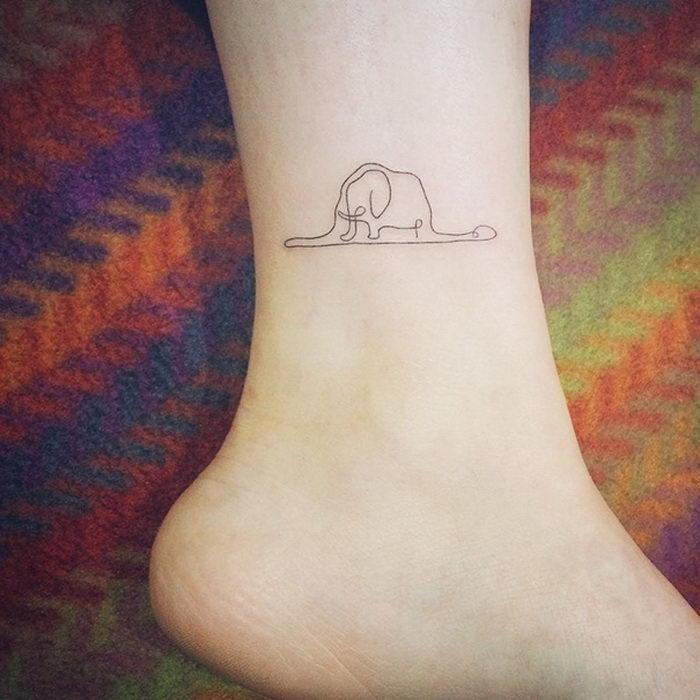 Милые и маленькие татуировки на стопах