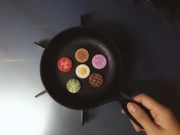 Вышитая еда из ниток мулине Ipnot