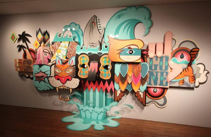 Работы уличных художников на стенах музея искусств Лонг-Бич