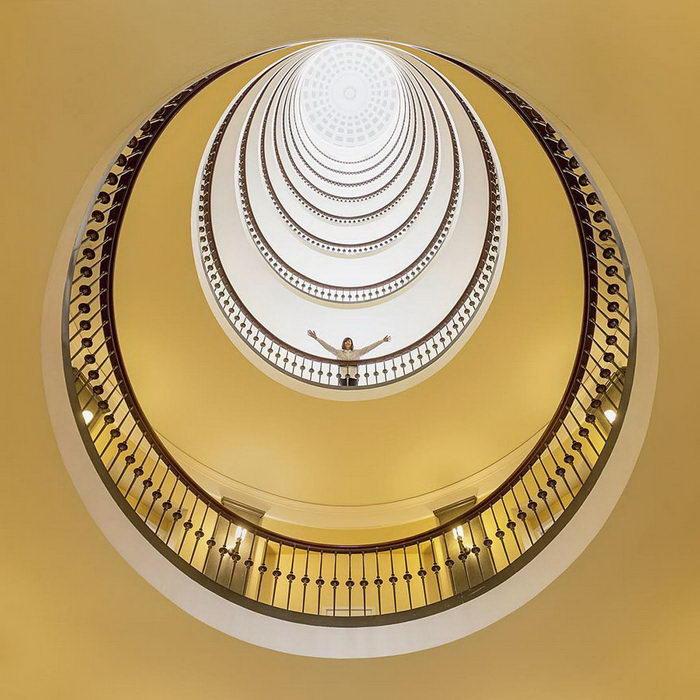 Архитектурные манипуляции Daniel Rueda и Anna Devis