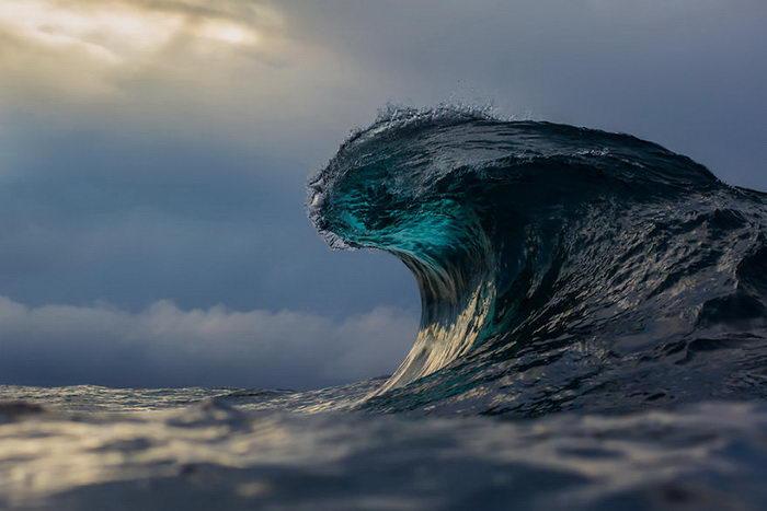 Красота волн в фотографиях Matt Burgess