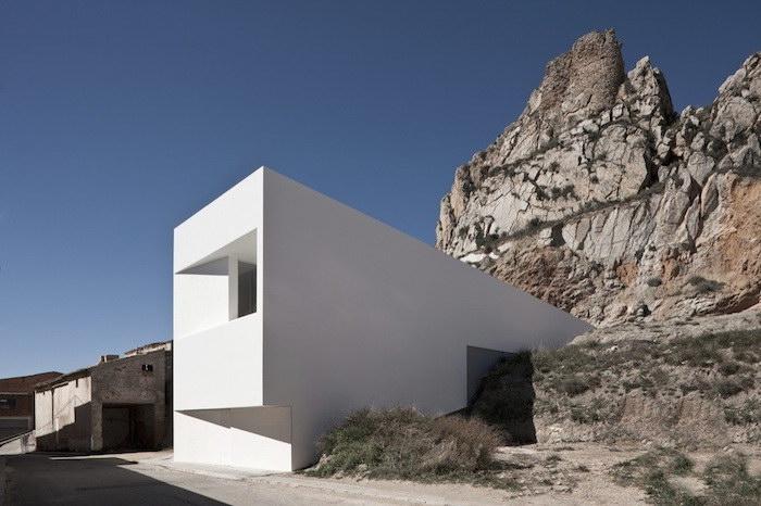Минималистичный дом в горах