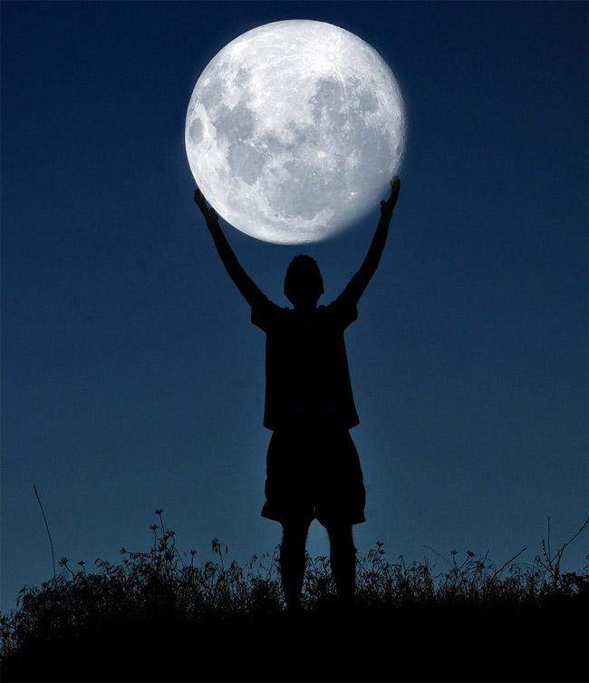 Игры с луной: проект Adrian Limani