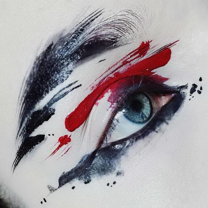 Необычные макияжи со спонтанными мазками: работы Ida Ekman