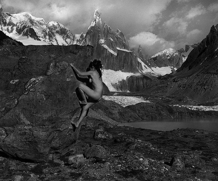 Тела и горы: красивые фотографии Dean Fidelman